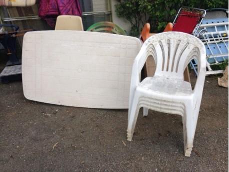 table de jardin +4 chaises