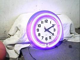 Horloge lumineuse - OK