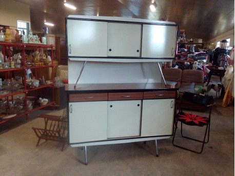 Buffet formica ++