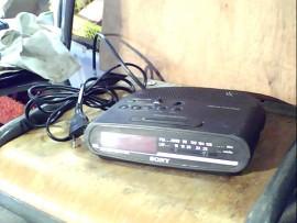 Radio réveil Sony - OK