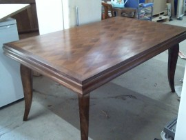 Table plaq. losange