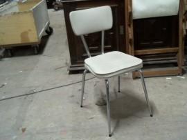 Chaise skaï