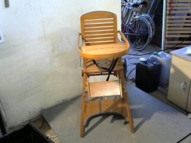 Chaise haute bébé bois anc.