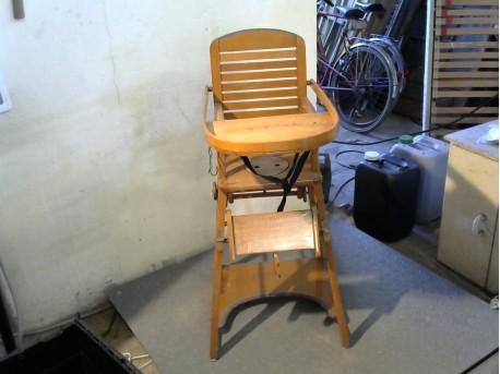 chaise haute b b bois anc la remise ressourcerie en combrailles. Black Bedroom Furniture Sets. Home Design Ideas