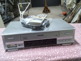 Magnétoscope Toshiba + télec.
