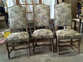 Chaise tapissière à fleurs