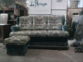 canapé lit royal avec son repose pied