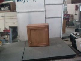 petit  meuble  a  pharmacie  ou  autre