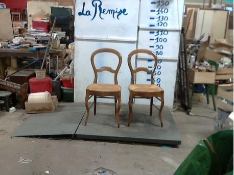 lot deux chaises