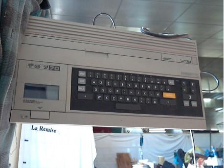 ordinateur vintage TO 7 70