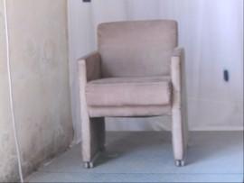 fauteuil gris a roulettes