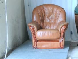 fauteuil marron cuir