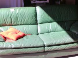 autre canap vert 2 places